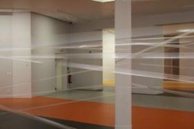 Installatie met tape, danser en violist. Waarbij de klank van tape via contactmicrofoontjes verwerkt wordt. DeSingel, LABO 3 van Champ d'action, Antwerpen, BE M HKA, Antwerpen, BE What's Next festival, Flagey, Brussel, BE