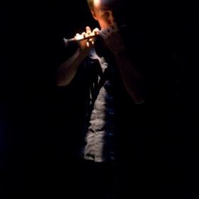 PARCOURS is een geënsceneerd project voor solo blokfluit, elektronica en water. De compositie – Annelies Van Parys – en vormgeving – Anneleen De Causmaecker – ontstaan parallel waardoor interactie en kruisbestuiving mogelijk is. Blokfluitist Jan Van Hoecke legt doorheen verschillende kostuumobjecten en langs verschillende aquaria een parcours af. Werkhuys, 2011 Antwerpen, BE DeSingel, 2012 Antwerpen, BE Haute Ecole de Musique de Lausanne, 2014 Lausanne, CH